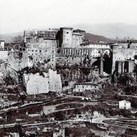 Vecchia foto di Pitigliano (fonte Wikipedia)