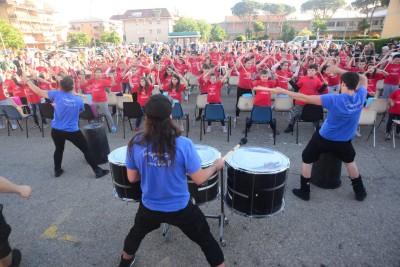 Music festival con scuole